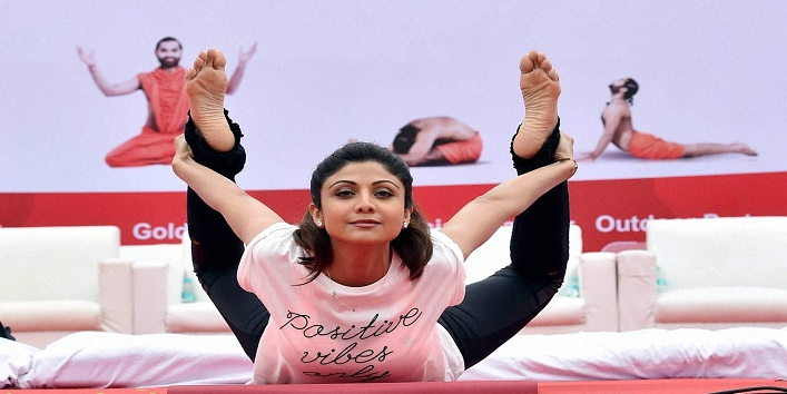 Bollywood actresses perform yoga8